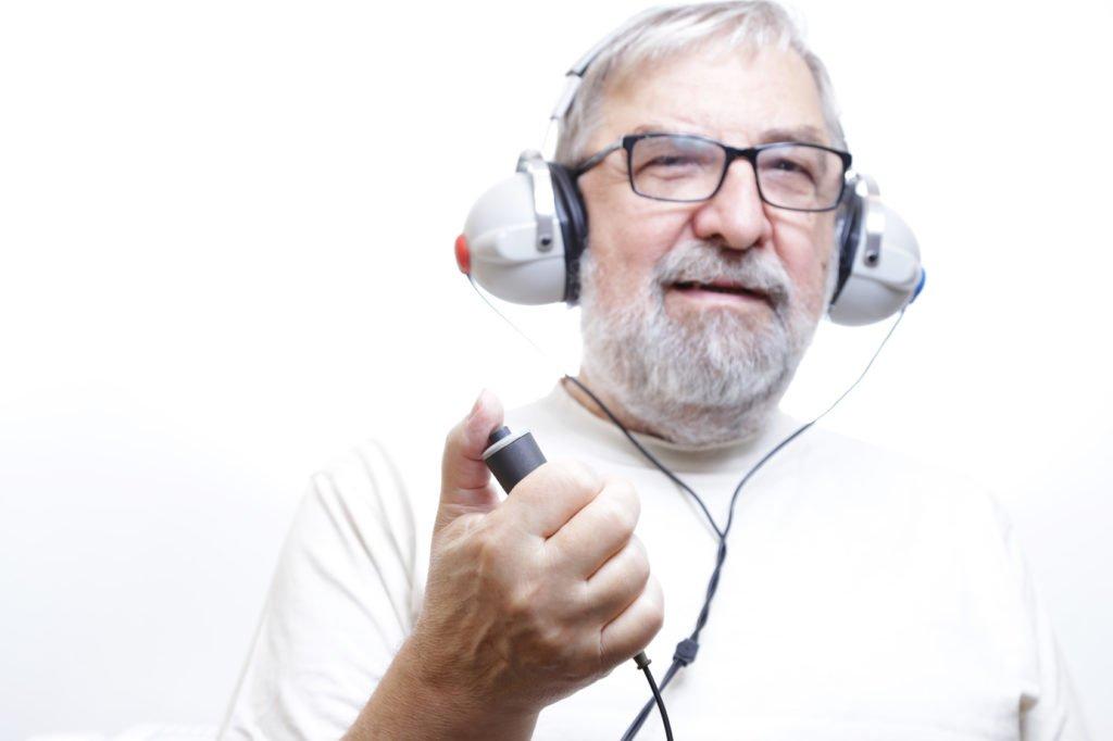 Jak przebiega badanie słuchu?