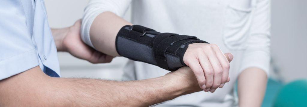 Uraz ręki – nielekceważ go izadbaj oregenerację