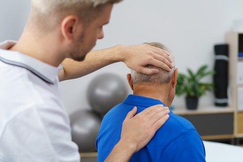 W leczeniu kręczu szyi ważną rolę odgrywa kołnierz ortopedyczny