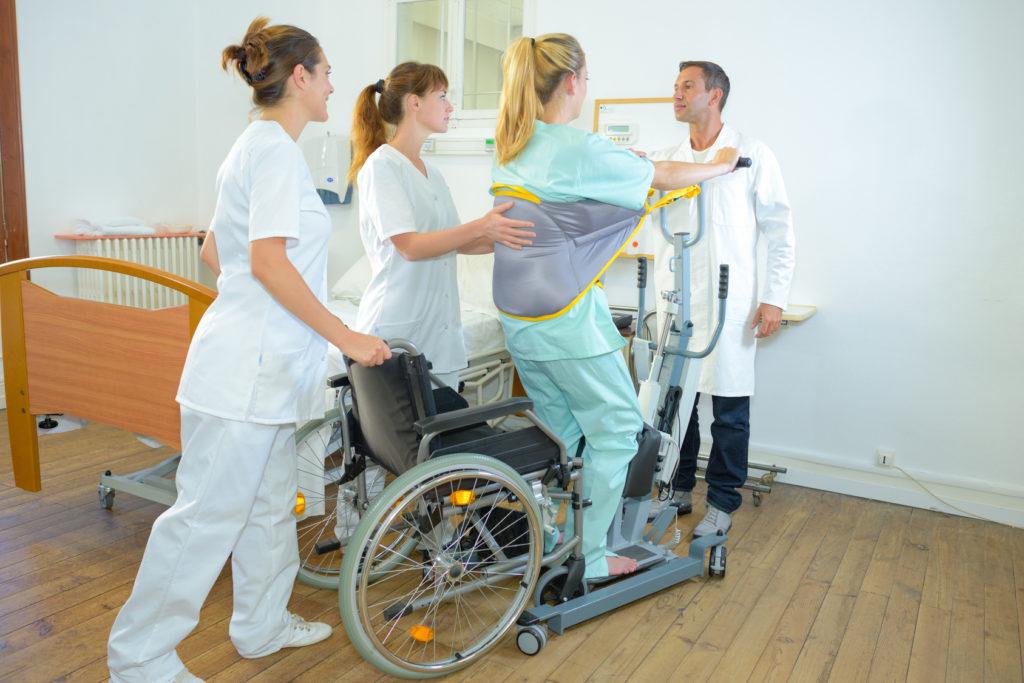 Po udarze niedokrwiennym często konieczne jest używanie specjalistycznego sprzętu medycznego - brandvital.eu
