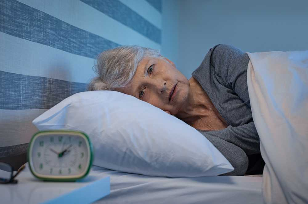 Bezsenność useniora – jak pomóc osobie starszej wproblemie zzasypianiem?