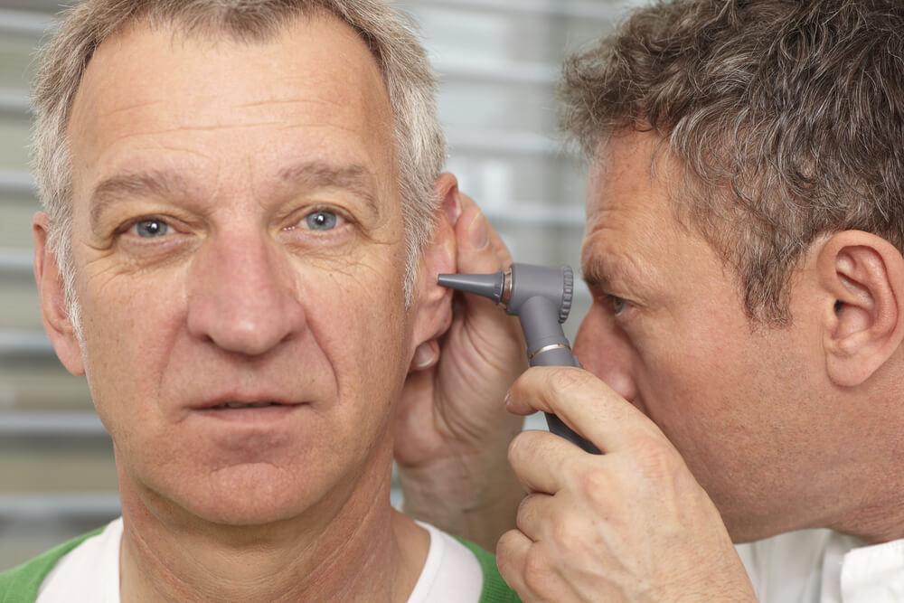 Nagła głuchota idiopatyczna – co zrobić, gdynagle przestaniesz słyszeć?