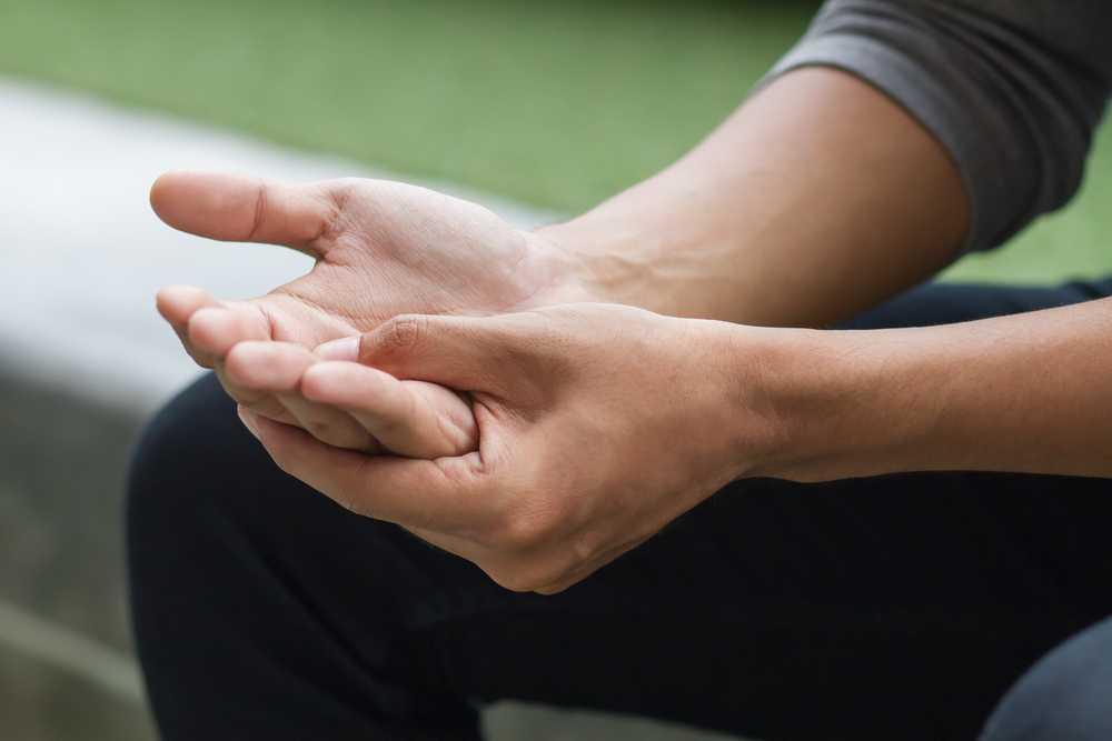 Drętwienie palców urąk – jak temu zapobiegać?
